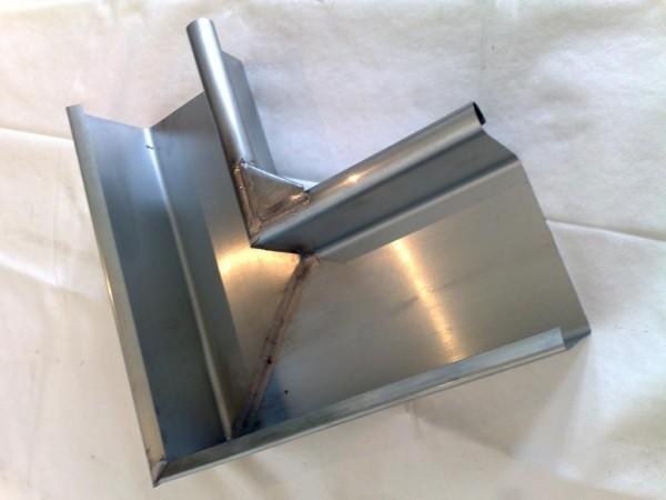 Rinnenwinkel / Innen / 90 Grad / Kastenform aus Titanzink